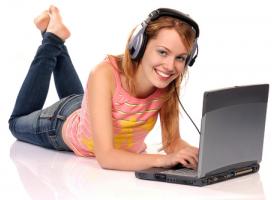 Sprzedaż muzyki online z roku na rok wzrasta.