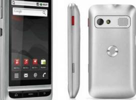 Android Vodafone 945 i budżetowy 553 – nowe komórki Vodafone