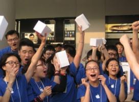100 tysięcy iPhone'ów 4 sprzedanych w 4 dni