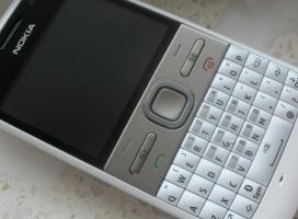 Nokia E5 – pierwsze wrażenia