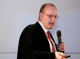 Andrzej Garapich podczas prezentacji wyników konsultacji branżowych, fot. BR