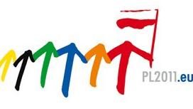 Kolorowe strzałki w logo polskiej prezydencji