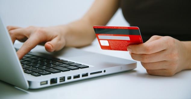 Coraz częściej korzystamy z szybkich płatności online
