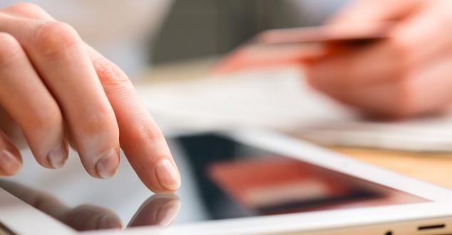 Coraz więcej polskich użytkowników kupuje online przy pomocy urządzeń mobilnych