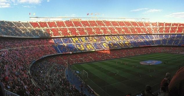 Gdy na Cam Nou zawodnik Barcelony strzela bramkę, kibice dostają powiadomienia o rabatach na akcesoria klubowe. Fot. Kieran Lynam/Flickr.com (CC)