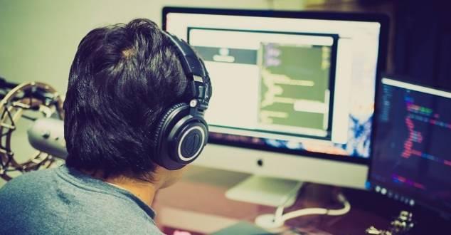 Szkoły programowania przekonują, że studia nie są konieczne. Co na to potencjalni pracodawcy?