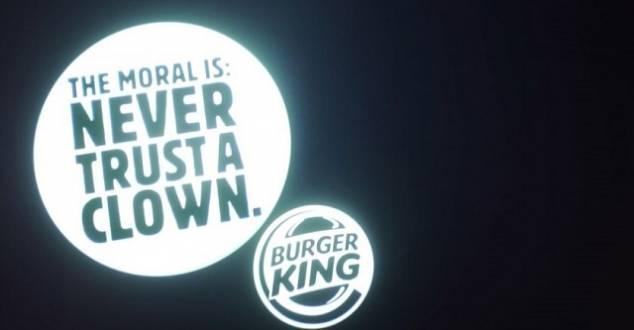 """Burger King vs McDonald's, czyli kto wygrywa w """"wojnach marek"""""""