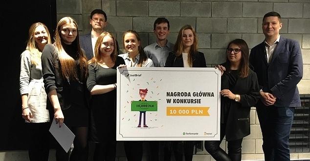 Studenci z Wrocławia zwyciężają w konkursie Performante i mytaxi