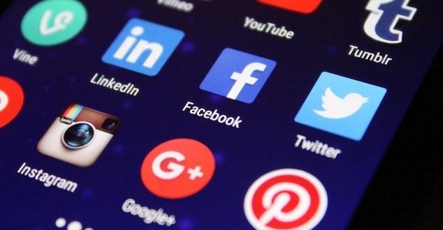 Biedronka w serwisie LinkedIn. Marka chwali się popularnością profilu