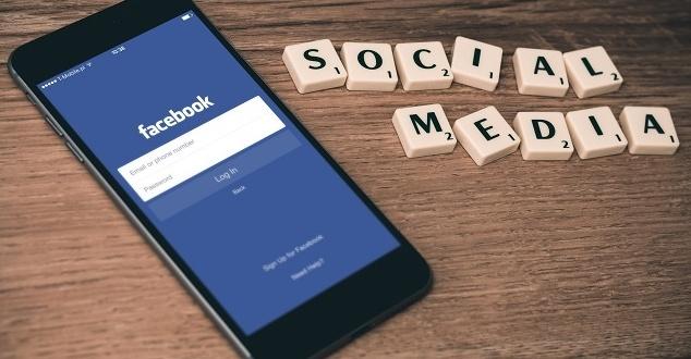 Facebook jest ważnym, ale nie niezastąpionym źródłem ruchu dla wydawców