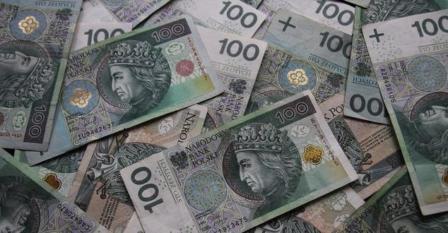 banknot, bank, pieniądze, fot. pasja1000, pixabay
