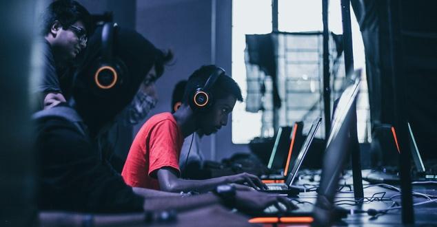 gracze | fot. Fredrick Tendong | Unsplash