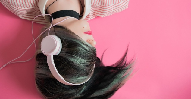 muzyka, słuchawki, whoalice-moore, pixabay