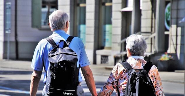 osoby starsze, seniorzy, fot. pasja1000, pixabay