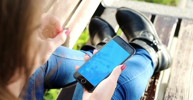 Bezpieczeństwo użytkowników systemów Android i iOS. iPhone nie tak bezpieczny