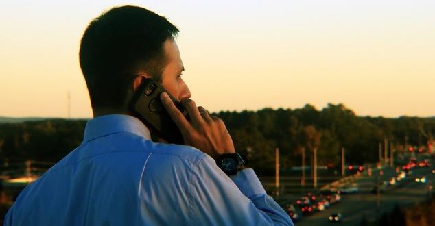 Obsługa klienta przez infolinię. Wolimy rozmawiać z czatbotem niż z pracownikiem firmy