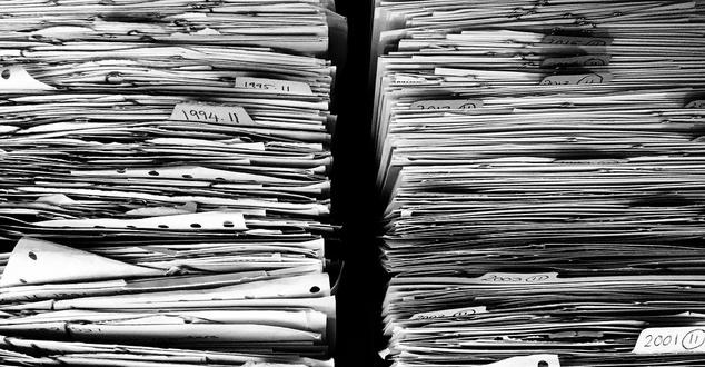 dokumenty, papier, ekologia, fot. myrfa, pixabay