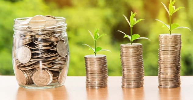 oszczędności, pieniądze, bank, fot. nattanan23