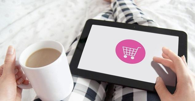 Zwroty w sklepach internetowych. Rzadziej oddajemy towar do dużych e-sklepów