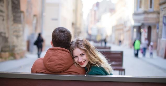 zakochani, walentynki, para, ludzie, fot. Disarm, Pixabay