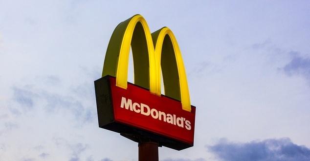 Wszystko w naszych rękach. McDonald's Polska chce pomóc w walce w epidemią