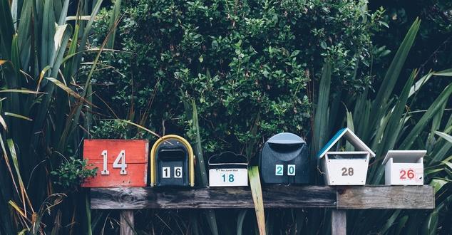 skrzynki pocztowe | fot. Mathyas Kurmann | Unsplash