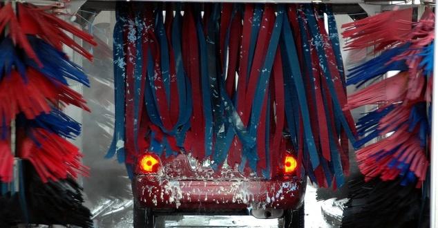 Axel Springer buduje sieć cyfrowych myjni samochodowych