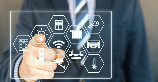 smart home, aplikacje, internet, fot. Pixaline, pixabay