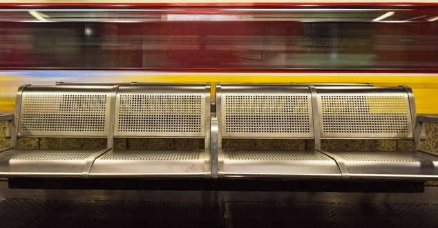 pociąg, dworzec, podróż, fot. Michaelgaida, pixabay