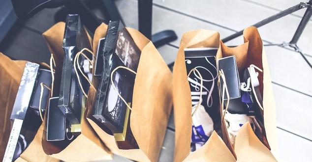 Zakupy modowe Polaków w 2020 roku. Jak pandemia wpłynęła na rynek odzieżowy?