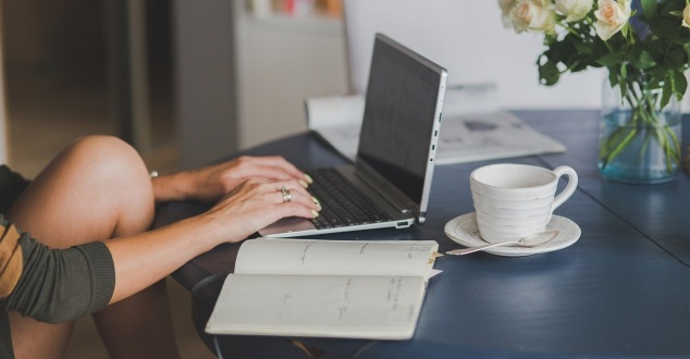 Zakupy online coraz łatwiejsze. Sklepy internetowe inwestują w odroczone płatności