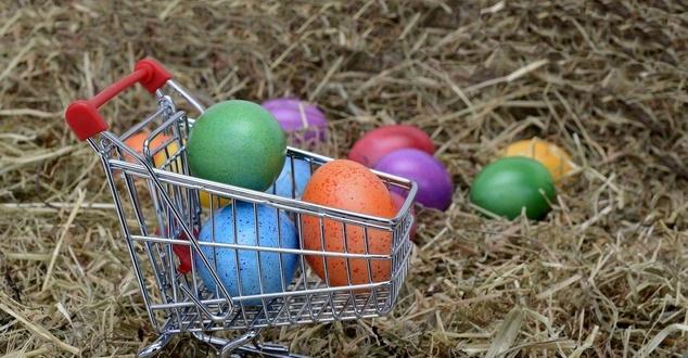 Wielkanoc, zakupy, jajka, fot. anncapictures, pixabay