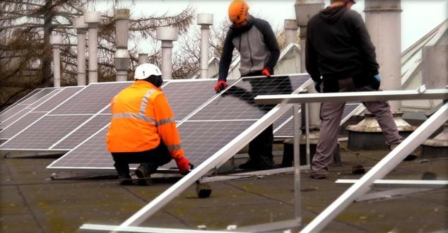Wirtualna Polska zasilana energią słoneczną. Spółka zakończyła budowę testowej farmy fotowoltaicznej