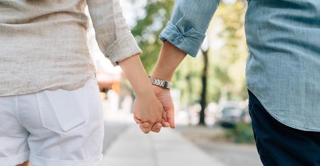 Aplikacje randkowe zyskały na popularności w trakcie pandemii. Jak na tym tle wypadają Polacy?