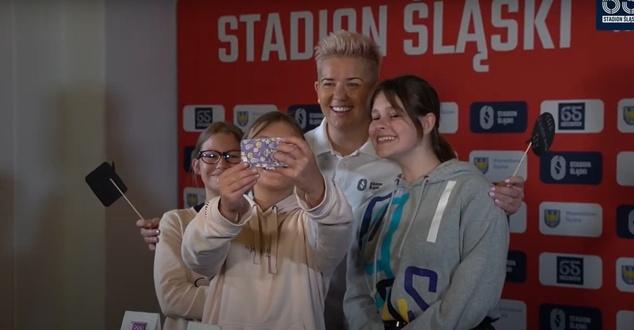 Anita Włodarczyk w akcji promującej Stadion Śląski