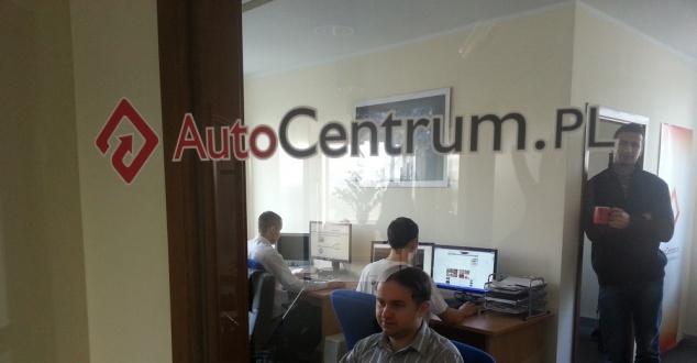 Na zdjęciu redakcja AutoCentrum.pl, fot.: Zachar Zawadzki