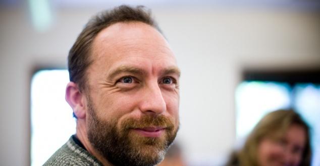 Twórca Wikipedii zbiera miliard dolarów na cele charytatywne