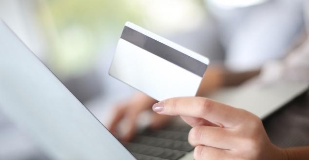 Jak kupujemy w internecie? Raz w miesiącu lub rzadziej