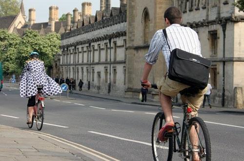 Outdoor na dwóch kółkach, czyli reklama na miejskich rowerach
