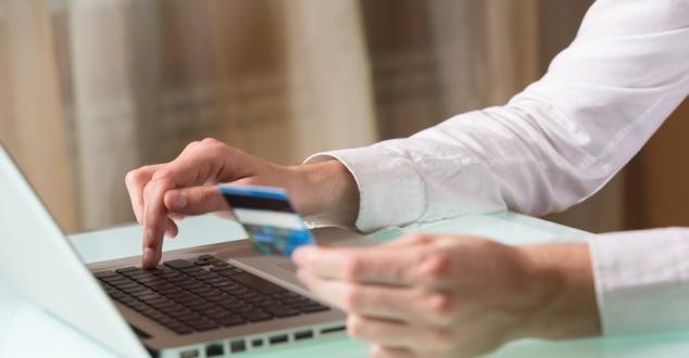 8 rad, jak bezpiecznie kupować prezenty online