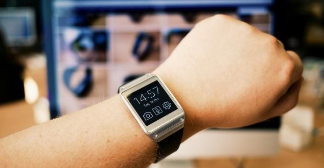 Szalone lata na rynku reklamy minęły. Inteligentne zegarki zmienią jego oblicze?