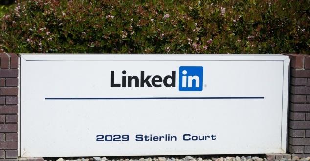To jedyny serwis społecznościowy, gdzie nie trzeba być fajnym. Jak promować się na LinkedIn?