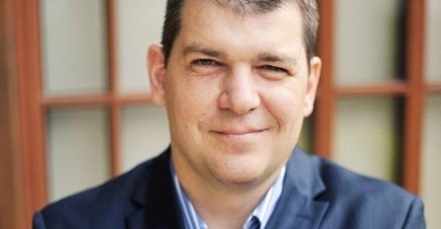 Na zdjęciu Piotr Siudak, prezes Enovatis SA (powstałej z połączonych spółek Wakacje.pl i Easygo.pl)